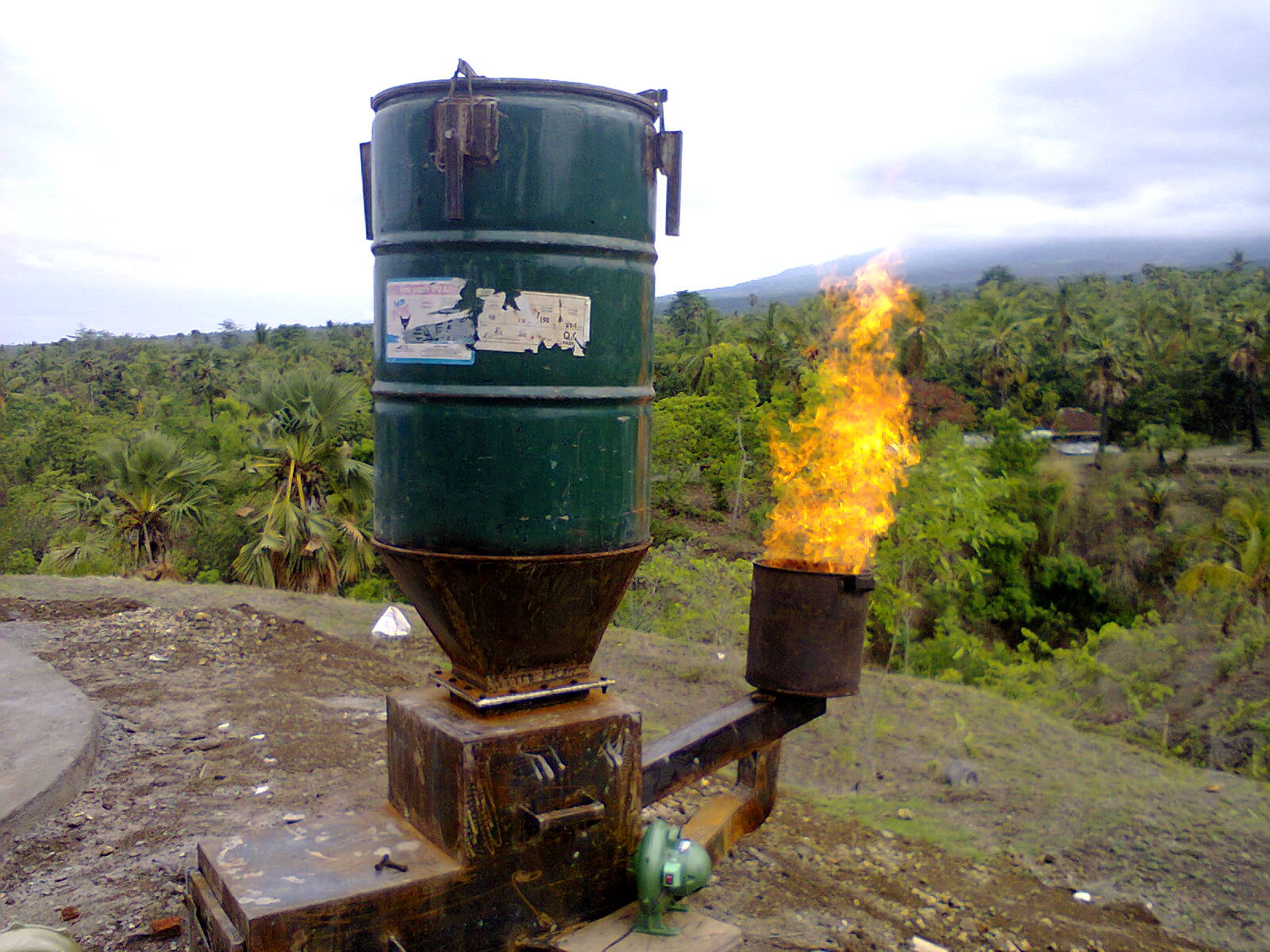 Early version of the gasifier with a flare